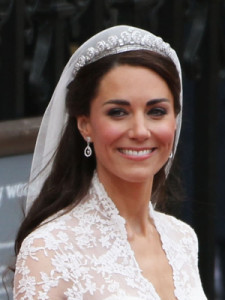 cos-kate-middleton-wedding-hair-makeup-de